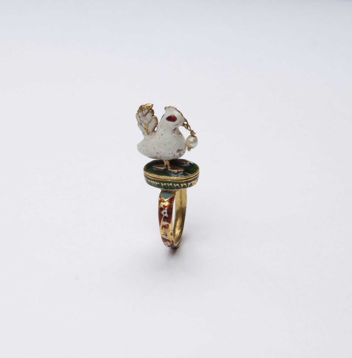 An Enamelled Ring of A Rooster, Mughal India 17 - 18th Century