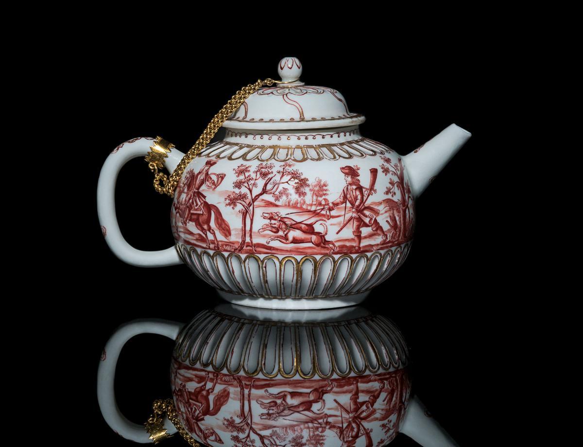 Extremely Rare Meissen Böttger Hausmalerei Teapot & Cover