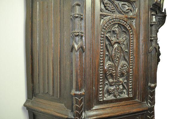 17th Century Carved oak Credence Cupboard
