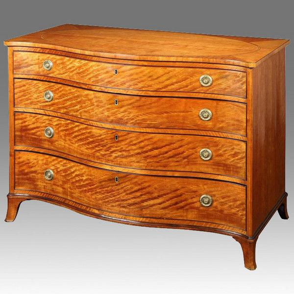 Fine serpentine front satinwood Commode Chest