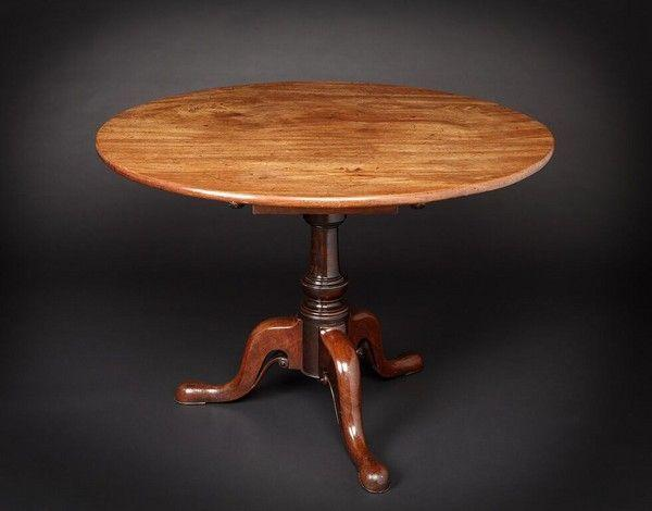 George II figured mahogany over-sized Tripod Table