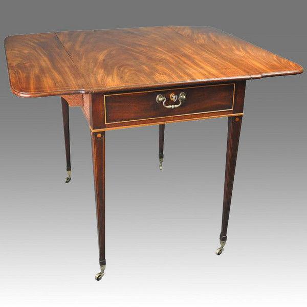 Highest quality Hepplewhite Pembroke Table
