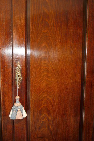 Mid 18th Century Mahogany corner cupboard