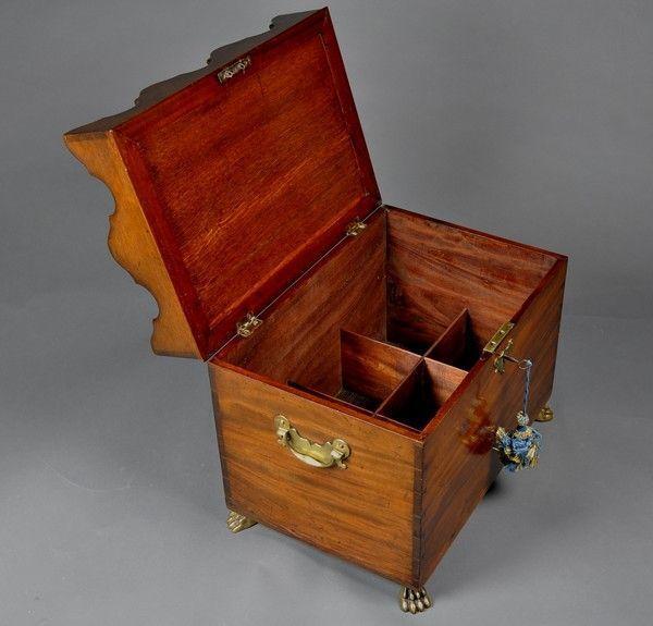 Rare George III period Mahogany Box Cellarette and Bottle Stand