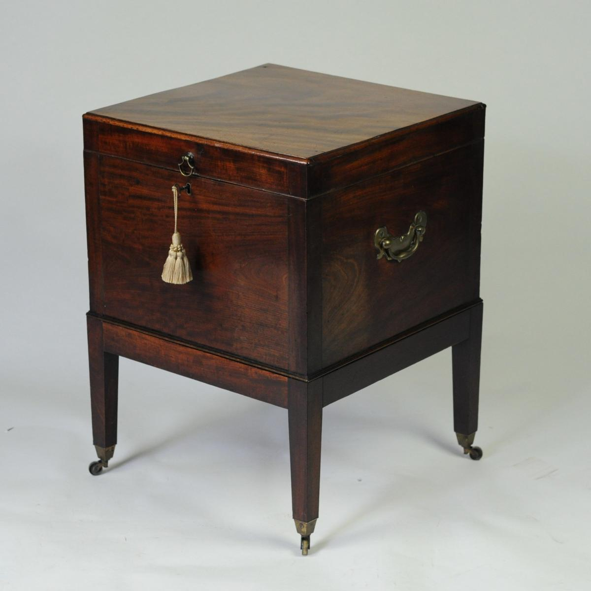 Georgian mahogany Box Cellarette