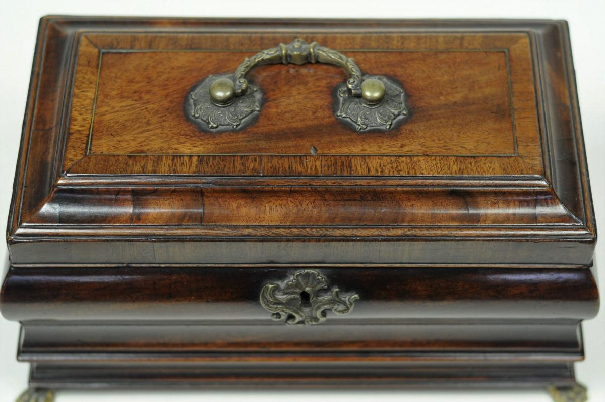mid 18th century bombé shaped Tea Caddy