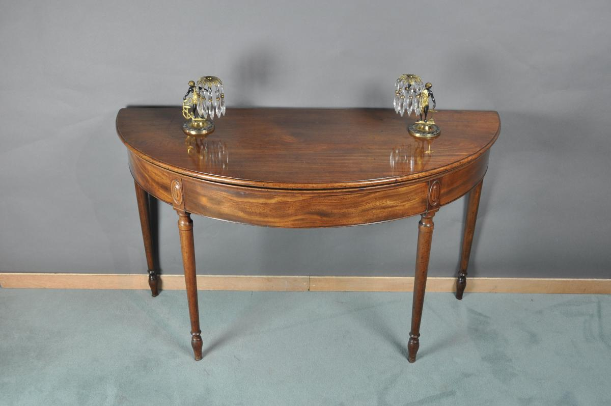 INCE & MAYHEW Tea Table