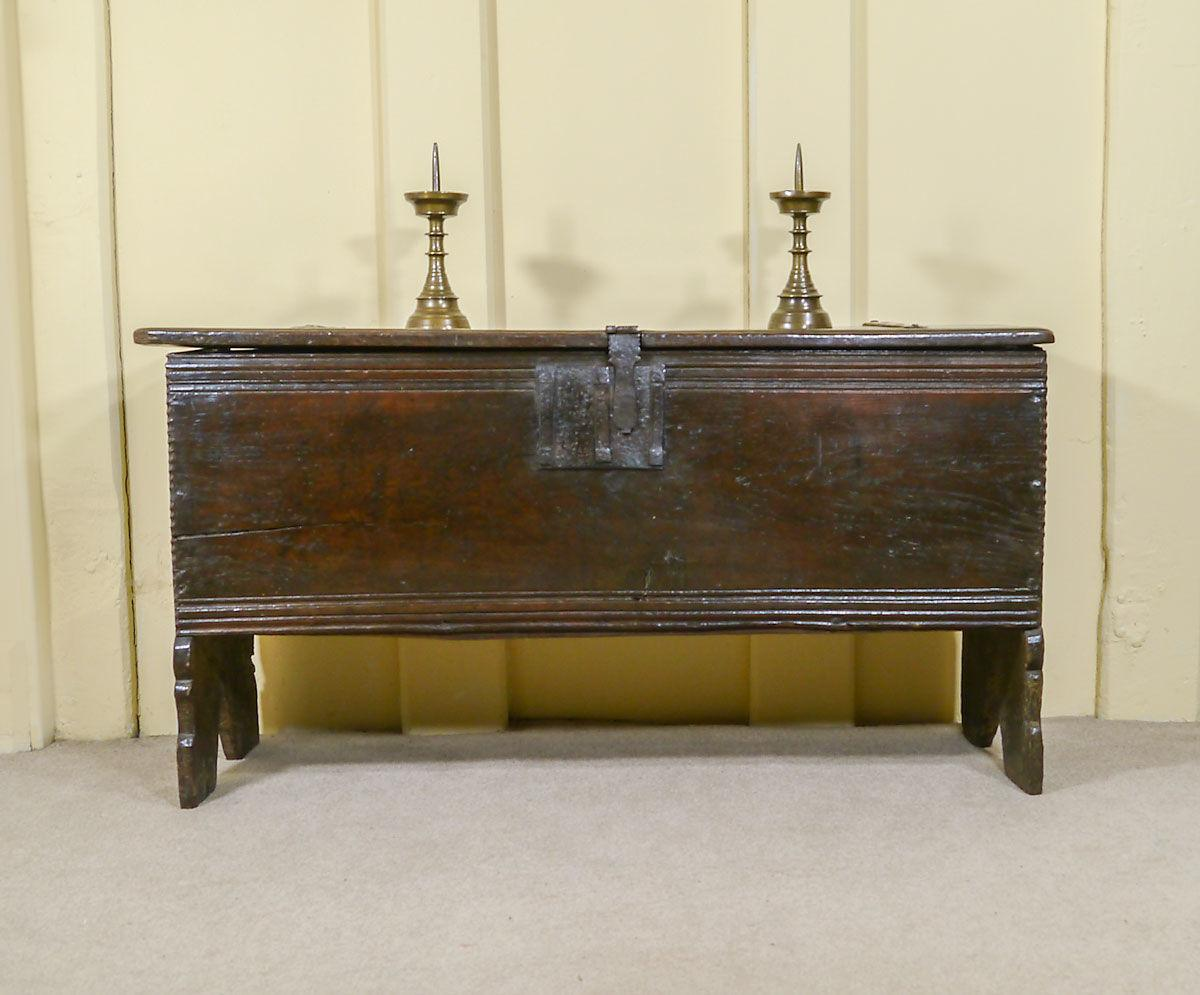 A Beautifully Proportioned Elizabethan Oak Chest