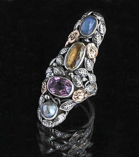 AMERICAN ARTS & CRAFTS (1890-1916) An Impressive Ring