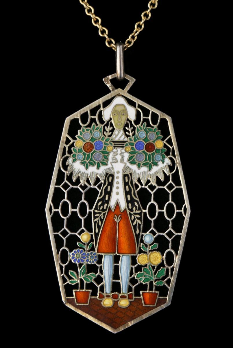 KUNSTGEWERBESCHULE (founded 1867) Jugendstil Pendant Necklace Gilded silver Enamel Figure Flowers Red Green Blue