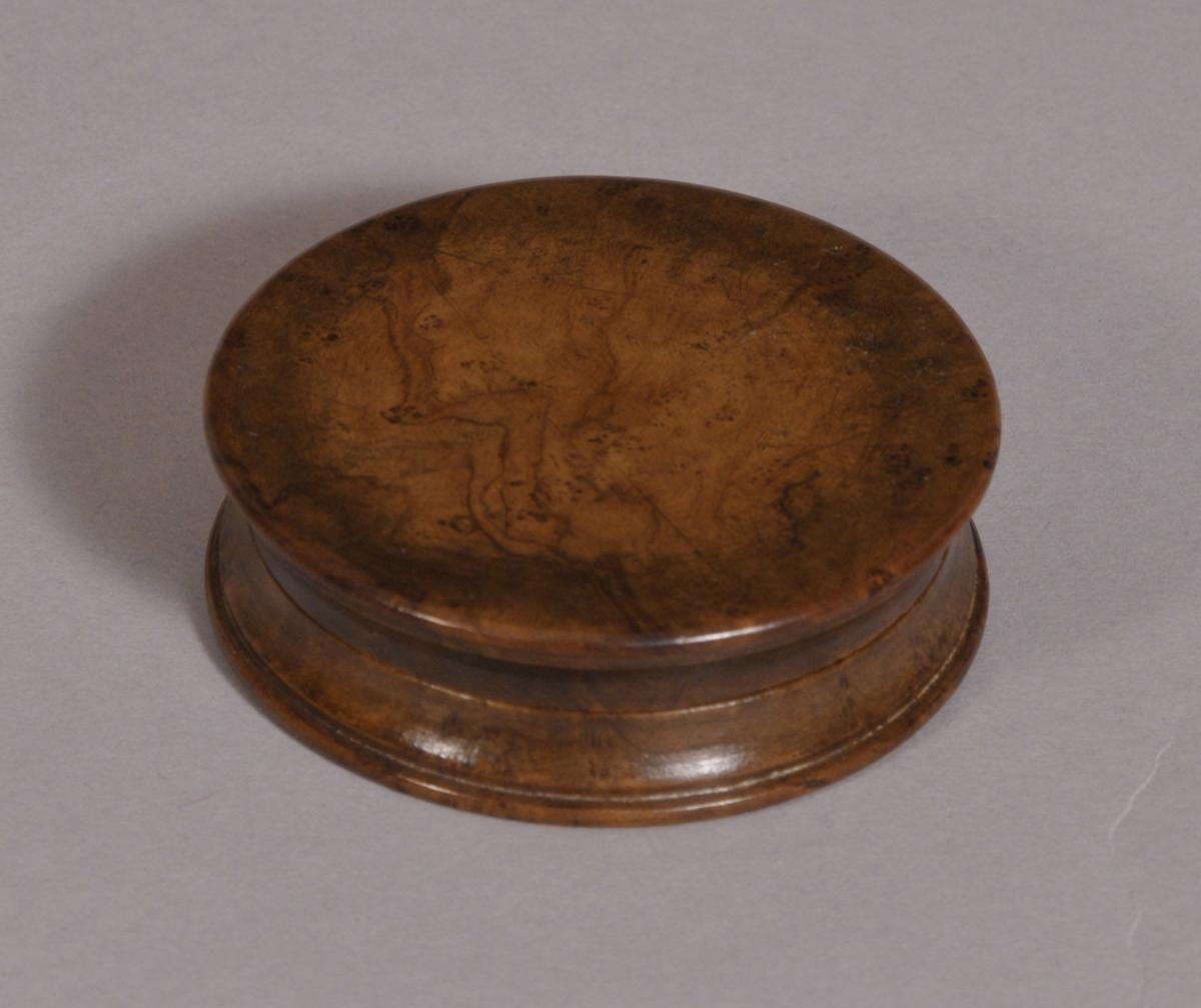 S/3546 Antique Treen 19th Century Burr Elm Pocket Snuff Box