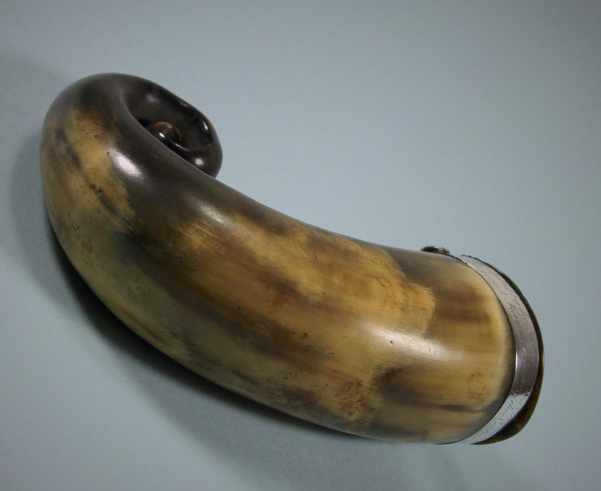 GEORGE III Scottish Horn Snuff Mull and Spoon. Circa 1810