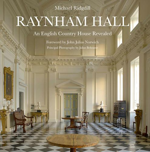 Raynham Hall: An English Country House Revealed Front Cover