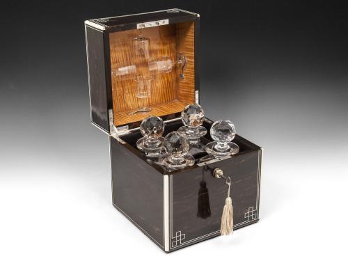 Coromandel Decanter box
