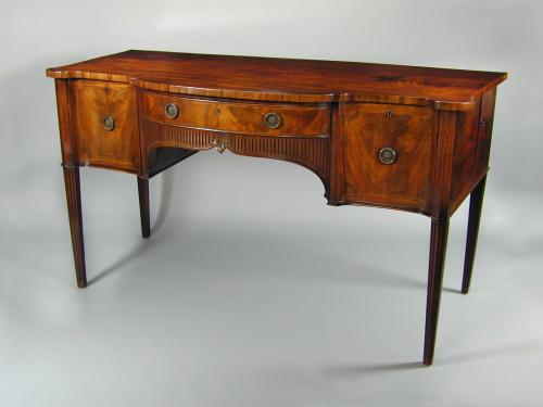 George III mahogany serpentine sideboard in the manner of Gillows, c.1790