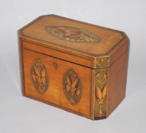 SATINWOOD TEA CADDY. GEORGE III, CIRCA 1780.