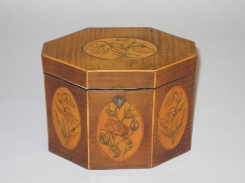 HAREWOOD & SATINWOOD TEA CADDY. CIRCA 1775
