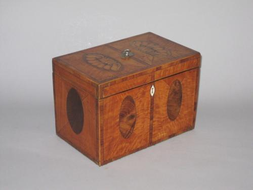 SATINWOOD & VENEERED TEA CADDY. CIRCA 1790