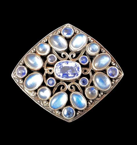 Sibyl Dunlop brooch