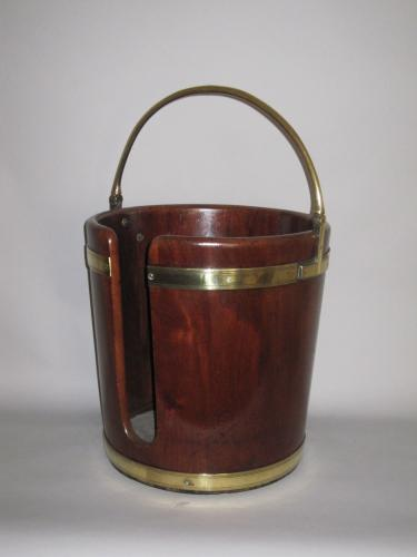 18th Century mahogany & brass plate bucket.