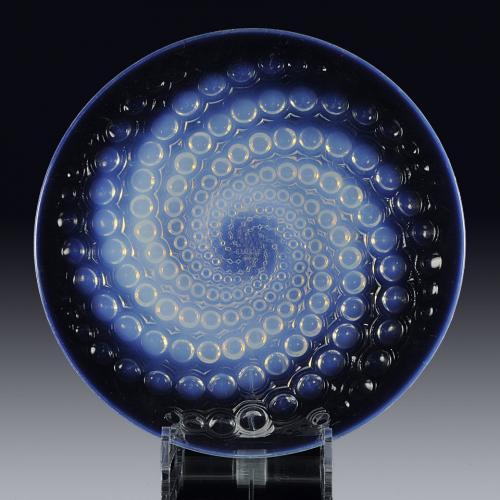 """Art Deco French Opalescent Glass Plate """"Volutes Assiette"""" by René Lalique"""