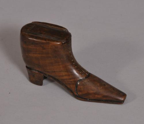 S/3337 Antique Treen 19th Century Walnut Snuff Shoe