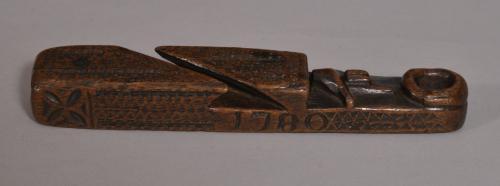 S/3350 Antique Treen 18th Century Mahogany Cumbrian Knitting Sheath