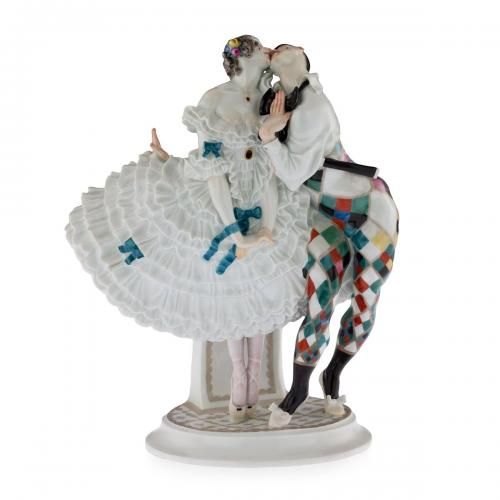 porcelain Art Deco group of Columbine and Harlequin from Le Carnaval performed by the Ballets Russes Meissen