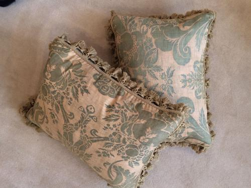 Four Cushions of Fortuny Cotton of Olympia Design