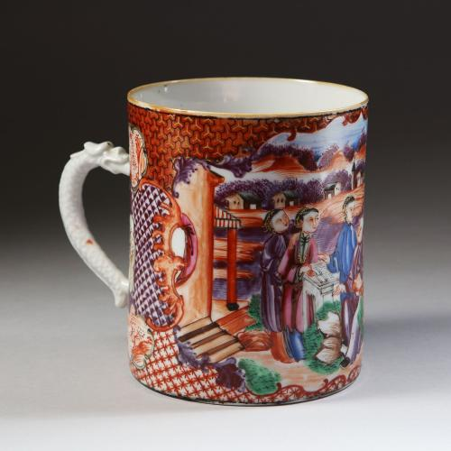 A Chinese Qianlong period famille rose tankard