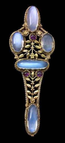 An Impressive Artificers' Guild Arts & Crafts Brooch Attributed to EDWARD SPENCER (1873-1938)