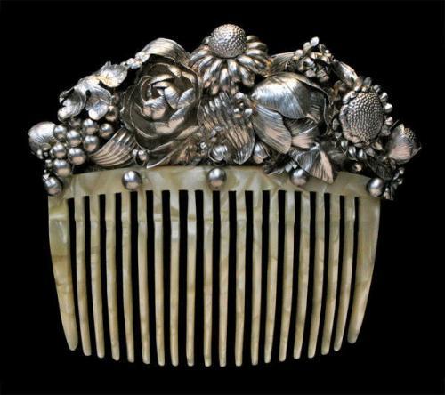 'H.K.HAEGE' Wiener Werkstätte Style Comb 'Basket of Flowers'