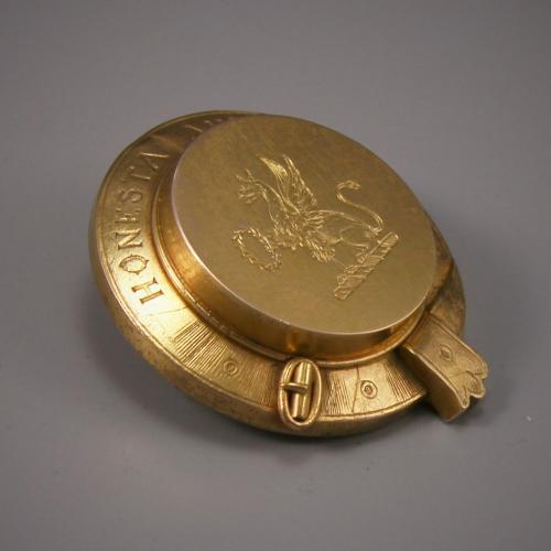 VICTORIAN SCOTTISH GOLD HAIR LOCKET BADGE. Circa 1880.