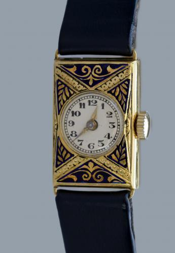 ART DECO Enamelled Gold Wristwatch