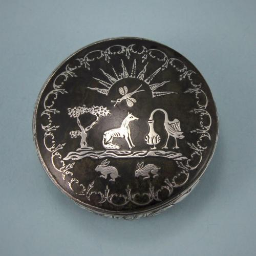Early GEORGE III Circular Snuff Box. Circa 1760's.