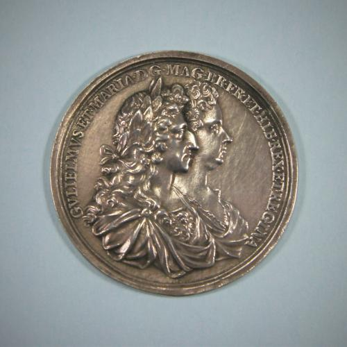 WILLIAM & MARY CORONATION MEDAL. London 1689.