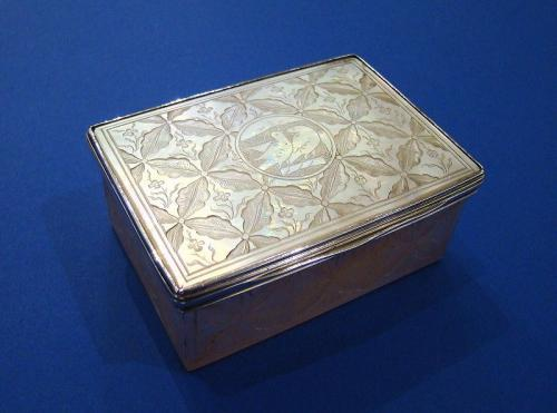 William IV Silver & Mother of Pearl 'Love-Birds' Table Snuff Box