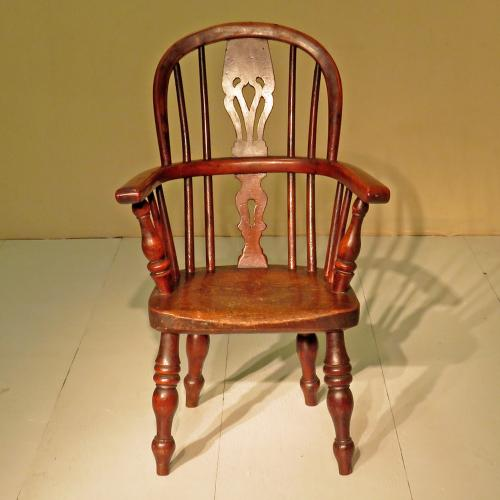 Early 19th Century Yew and Ash Child's Chair
