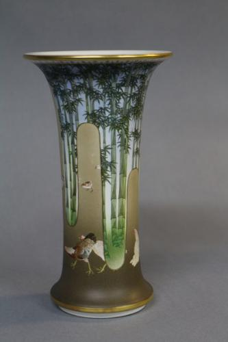 An elegant 19th century japanese satsuma vase with flared rim