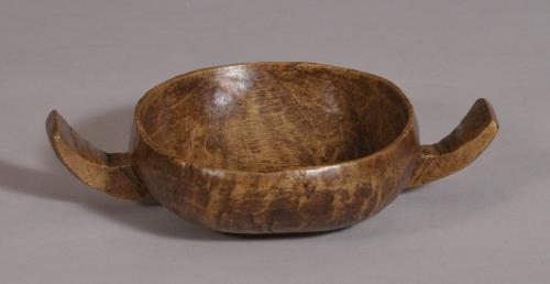 S/3569 Antique Treen 19th Century Birch Drinking Cup