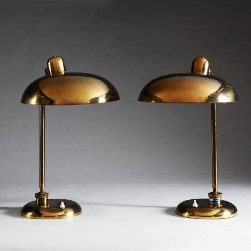 A PAIR OF MIDCENTURY BRASS DESK LAMPS ATTRIBUTED TO GIOVANNI MIICHELUCCI