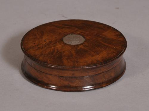 S/3613 Antique Treen 19th Century Figured Walnut Circular Snuff Box