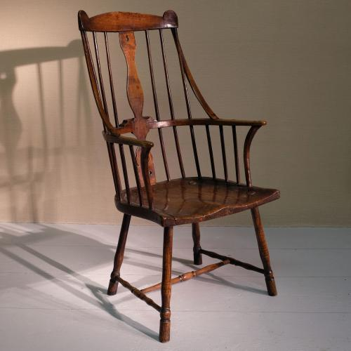 Late 18th Century Comb Back Windsor Arm Chair