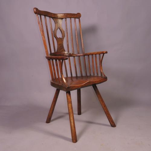 Late 18th Century Comb Back Windsor Chair