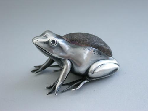 Edwardian Novelty Silver Frog Pin Cushion