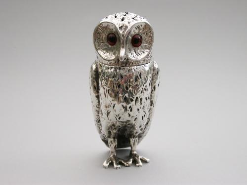 Victorian Novelty Silver Owl Pepper