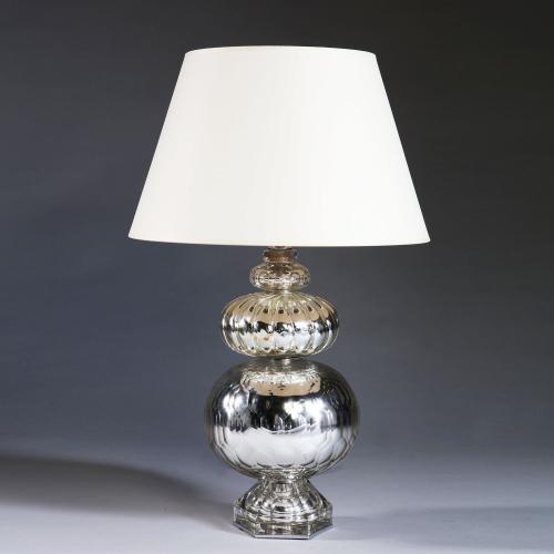 A Maison Bagues Verre Eglomise Lamp