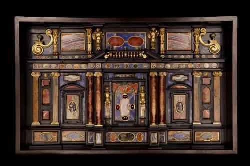 Lapis Lazuli Early Seventeenth Century Italian ( Roman Cabinet )