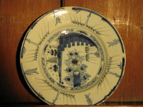A good, mid-18th century, Dutch delftware plate