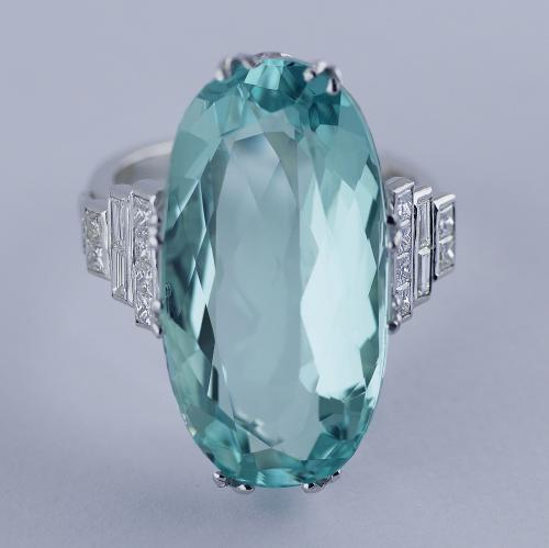 18ct Aquamarine and Diamond Ring